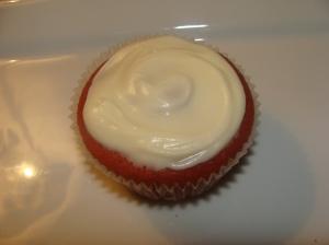 red velvet cupcakes 003