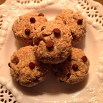 Thick (& Healthy) Oatmeal Chocolate Chip Cookies
